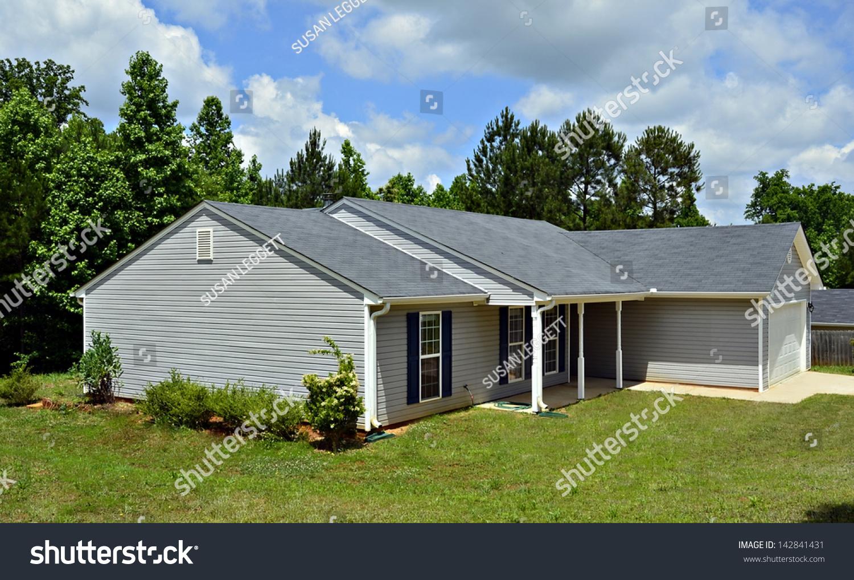 Home photos of vinyl siding preferred home design for Vinyl siding ideas for small homes