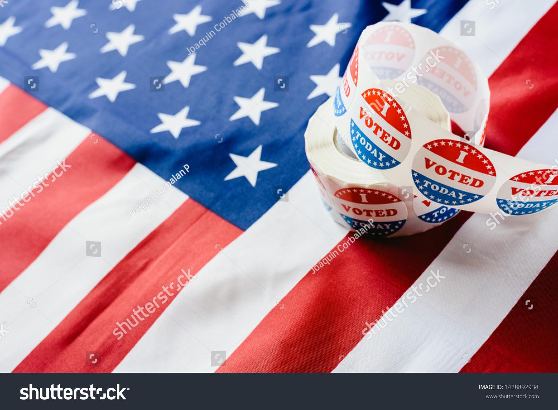 私は今日 アメリカ国旗の選挙で ステッカーの投票に投票します の