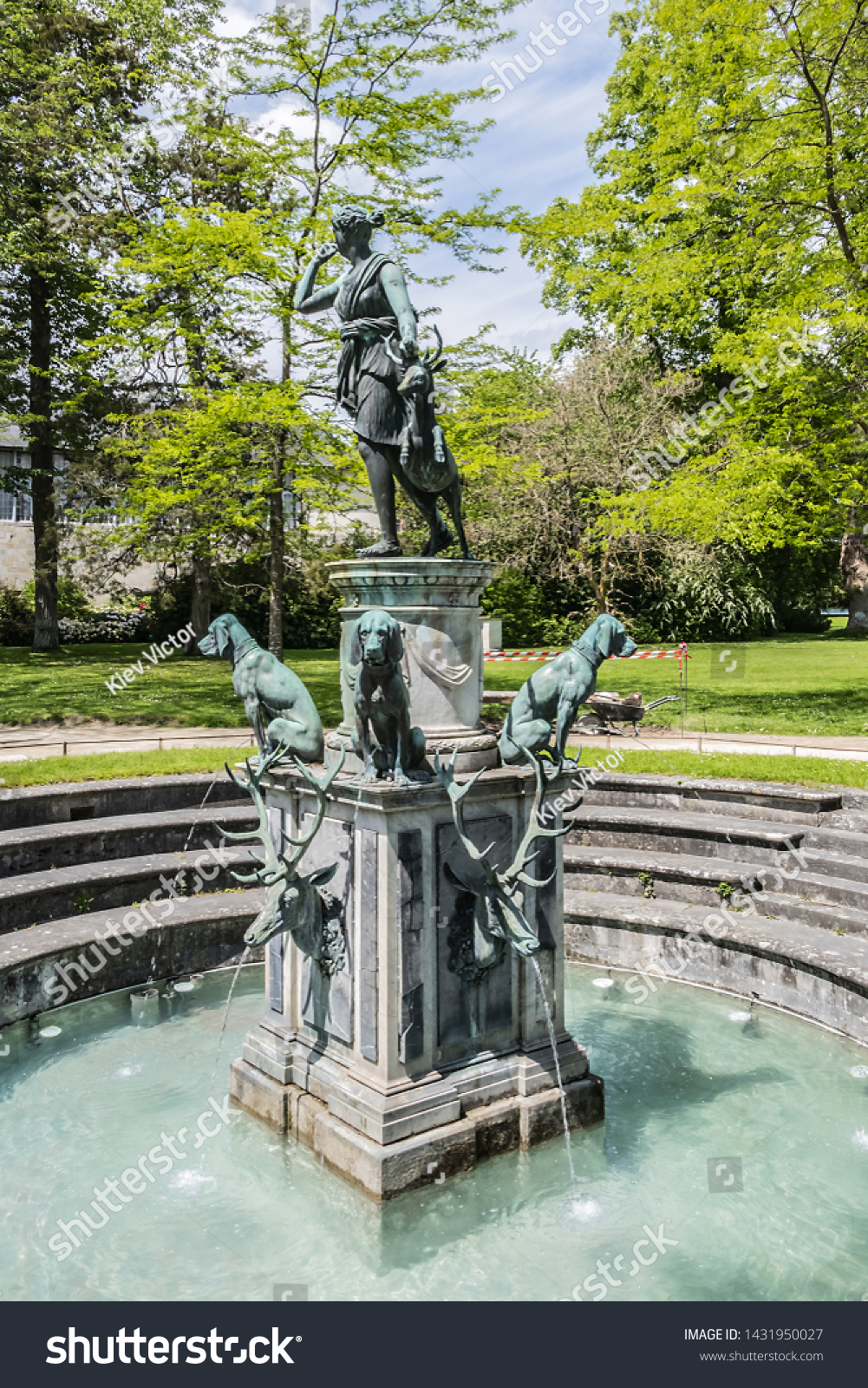 Image De Fontaine De Jardin fontaine de diane dianas fountain 1602 stock photo (edit now