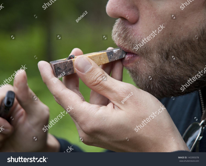 Hookup a man who smokes weed