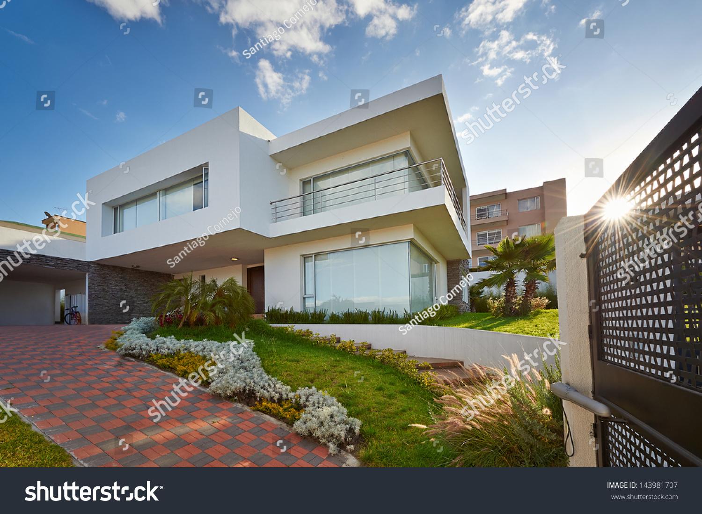 Big modern house stock photo 143981707 shutterstock for Big house modern