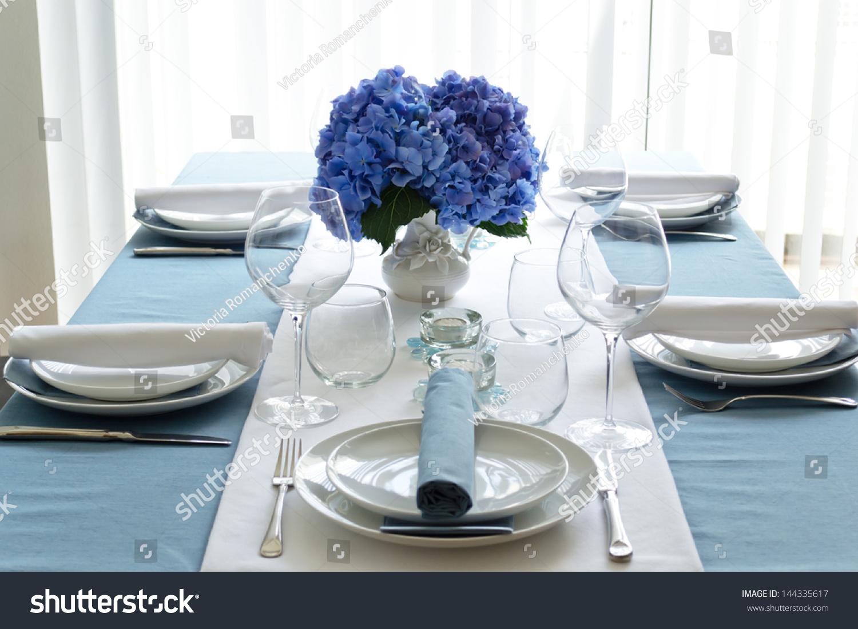 Blue White Hydrangea Table Setting Stock Photo 144335617