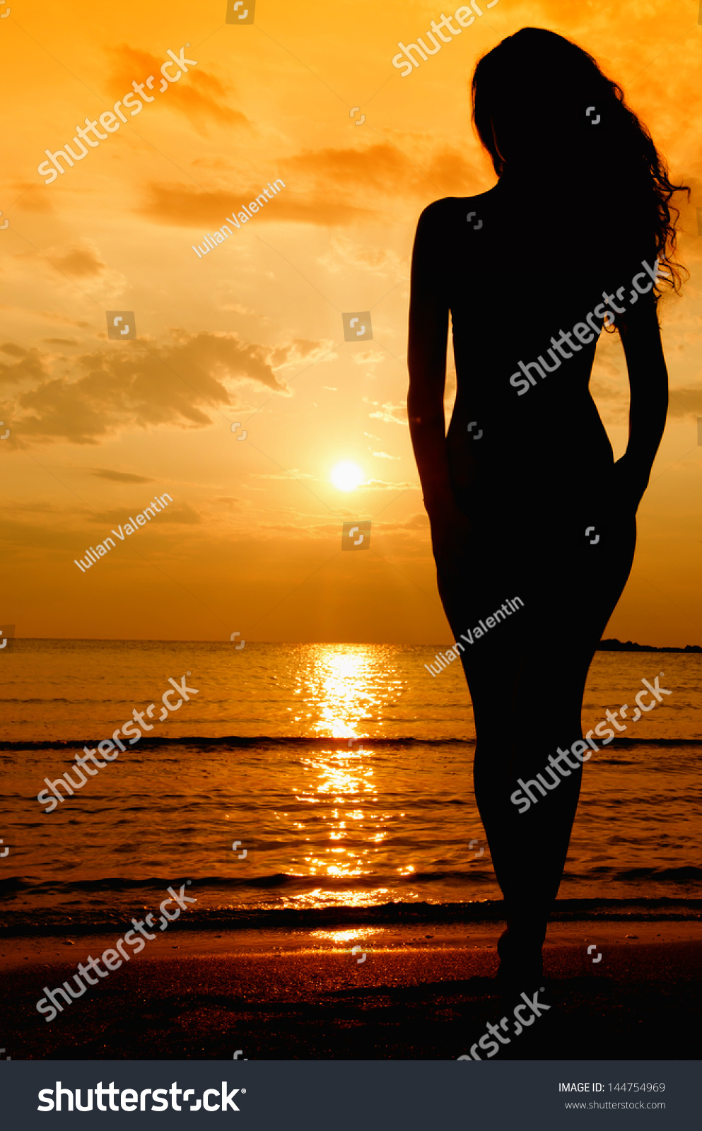 sunrise beach women Meet sunrise beach singles online & chat in the forums dhu is a 100% free dating site to find personals & casual encounters in sunrise beach.