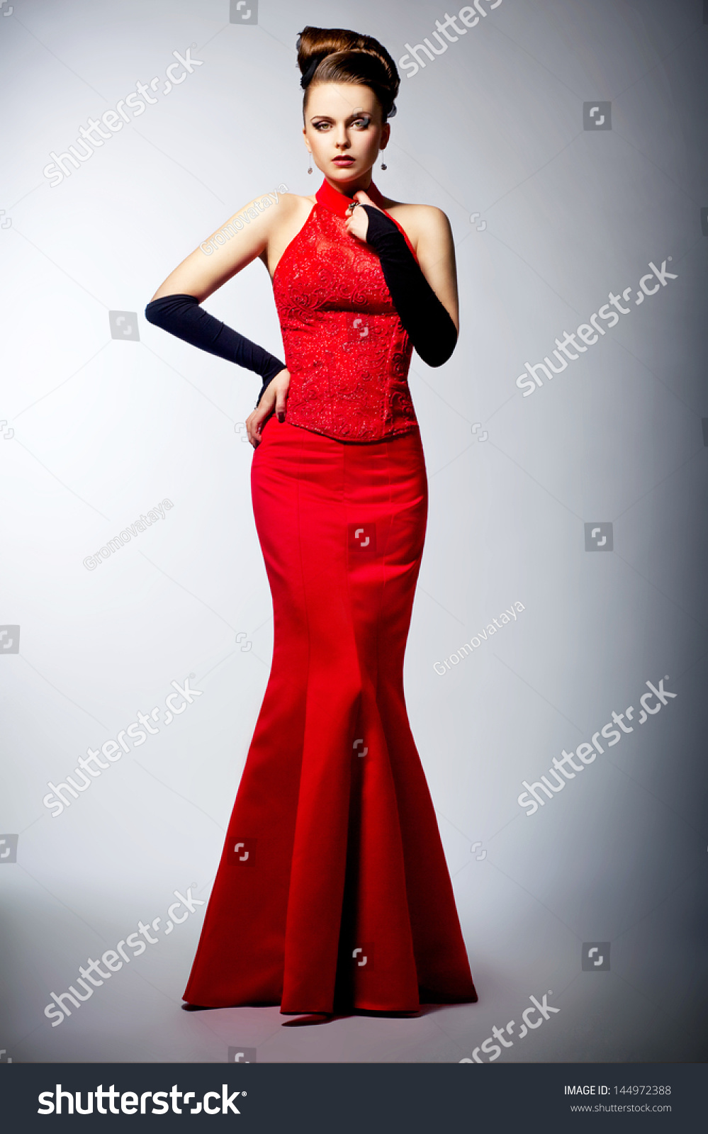Black gloves for gown - Beautiful Woman In Black Gloves And Sleeveless Red Dress