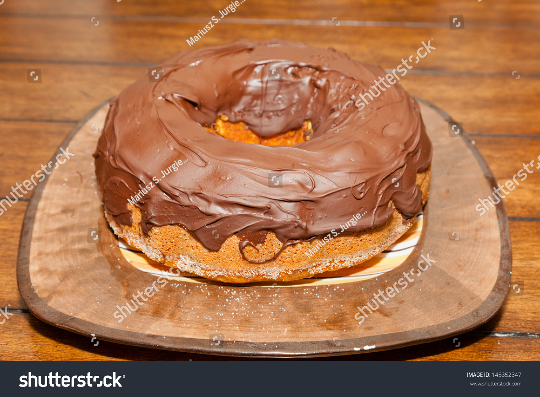 Spongy Yeast Cake