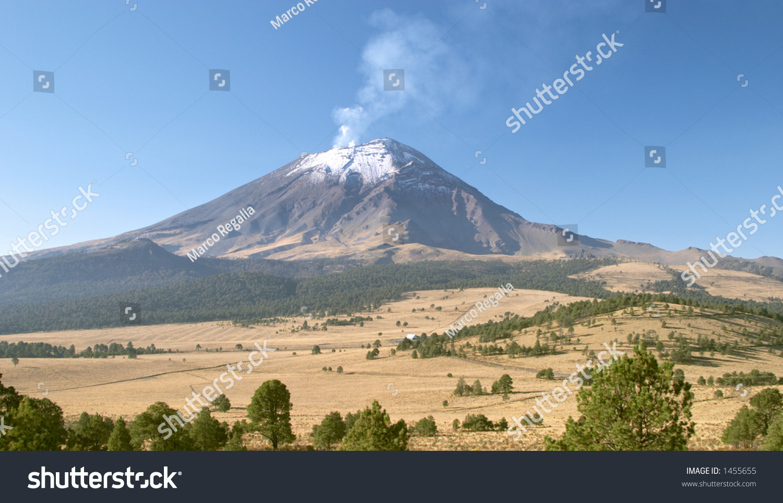 Snowcapped Imágenes De Stock Snowcapped Fotos De Stock: Activo Snowcapped El Volcán De Popocatepetl (5