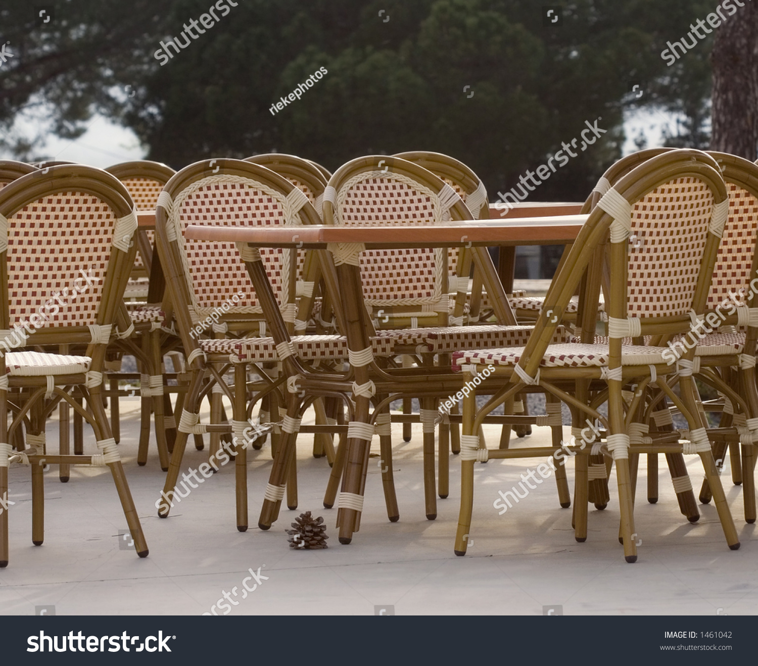 Pavement Cafe   Tables And Cane Chairs