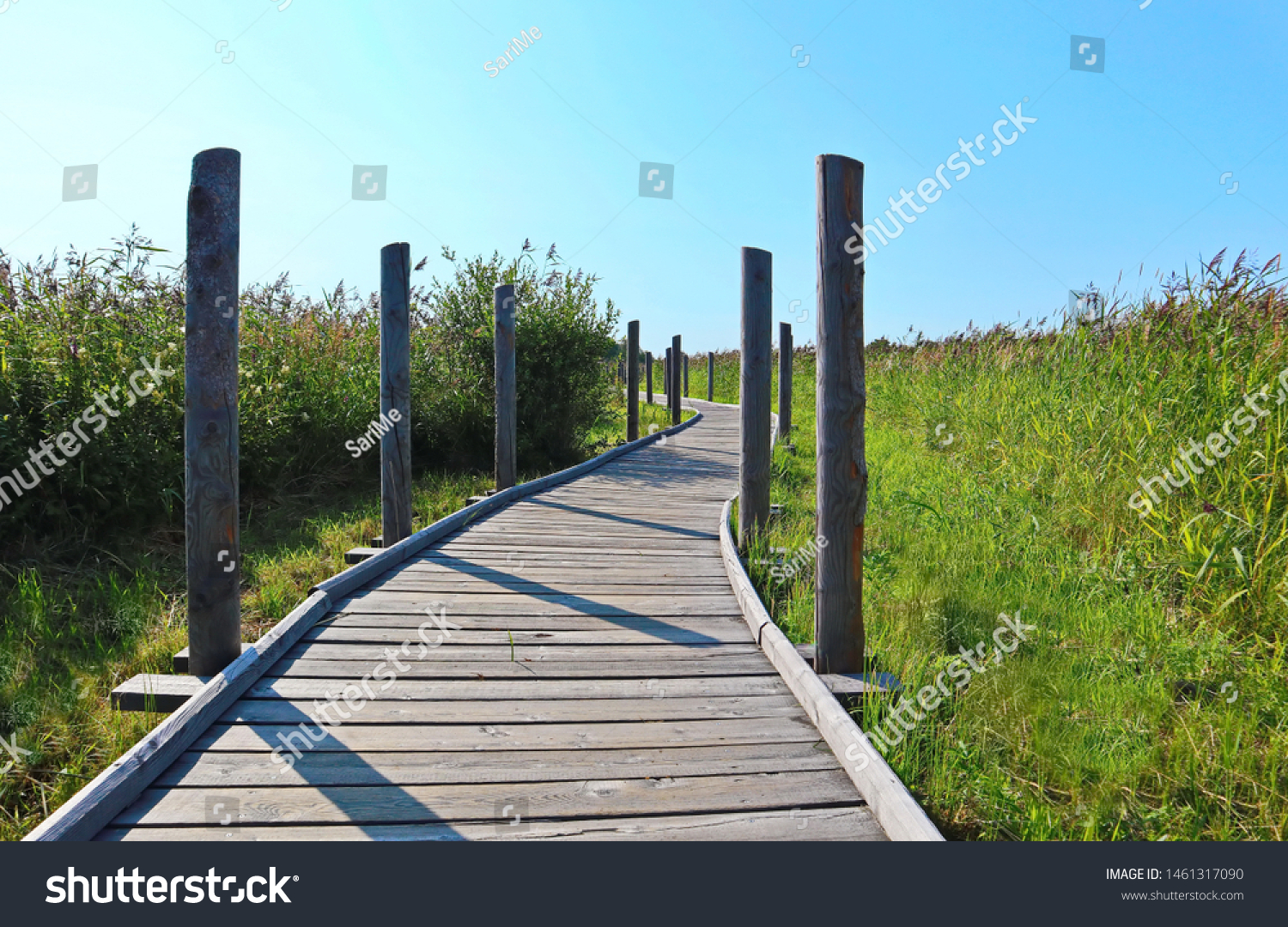 stock-photo-wooden-hiking-trail-to-lamma