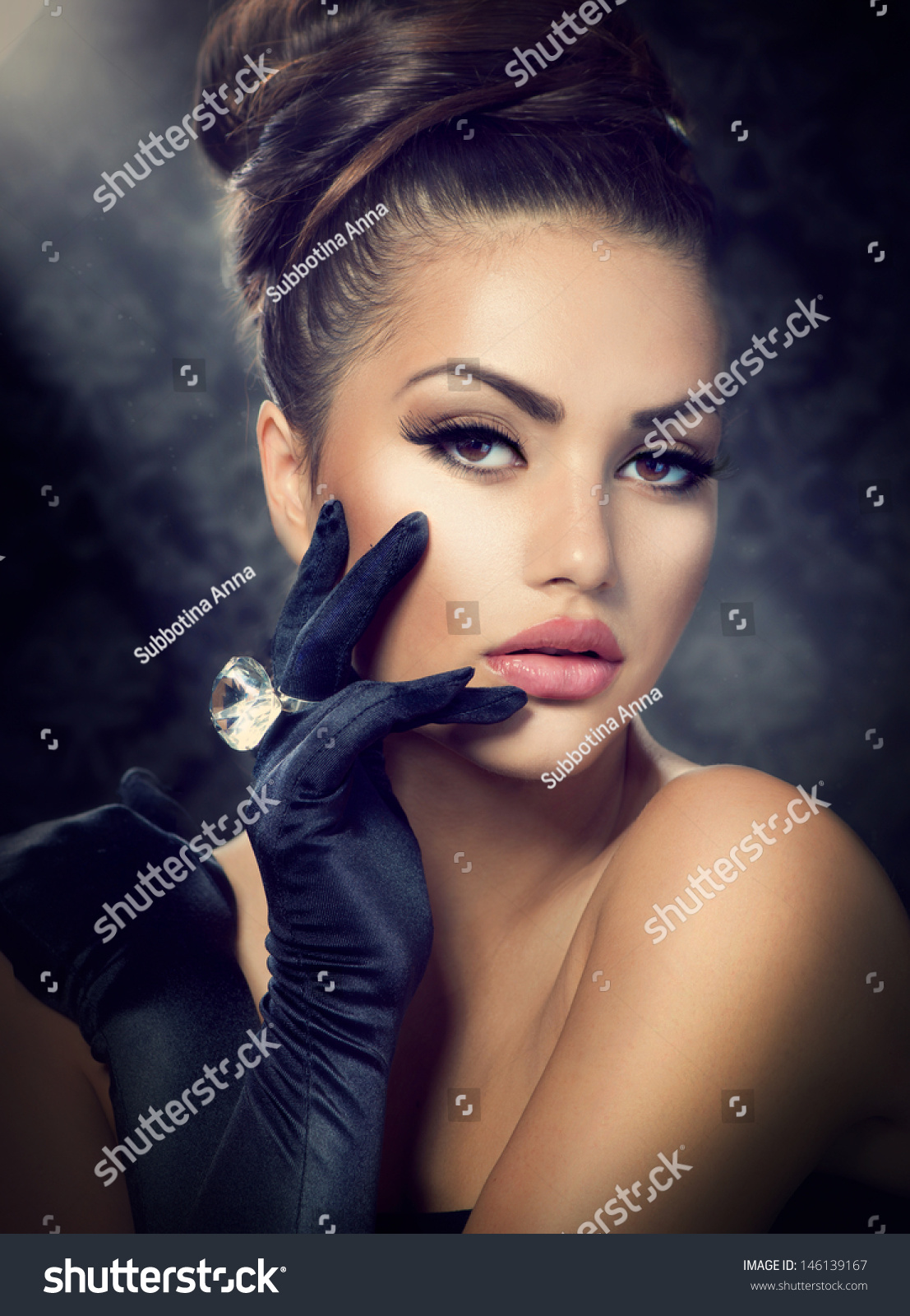 Beauty Fashion Glamour Girl Portrait Vintage Stock Photo 146139167 Shutterstock