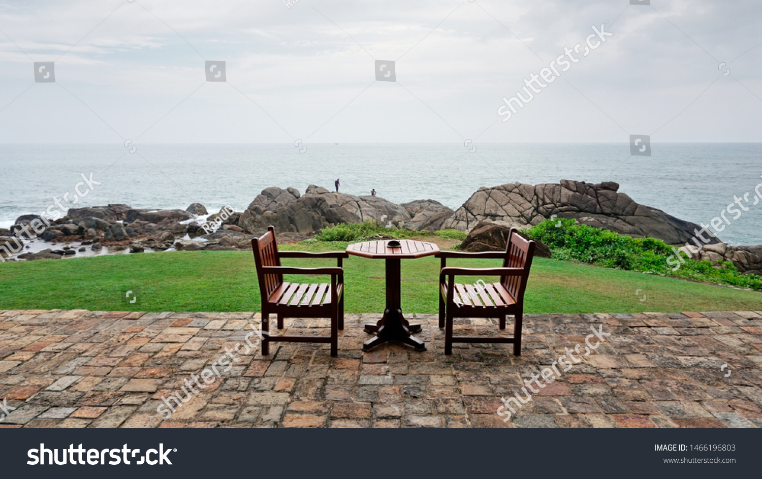 stock-photo-table-by-the-beach-in-galle-