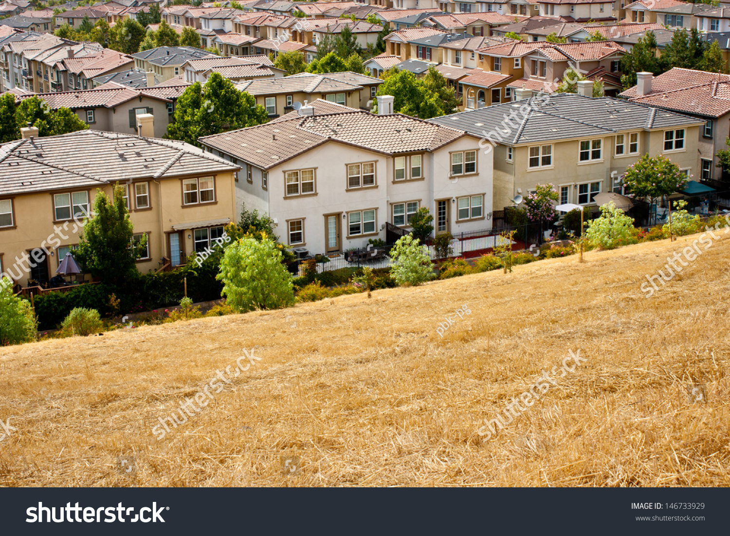 Development closelyspaced tract homes san jose stock photo for Tract home builders