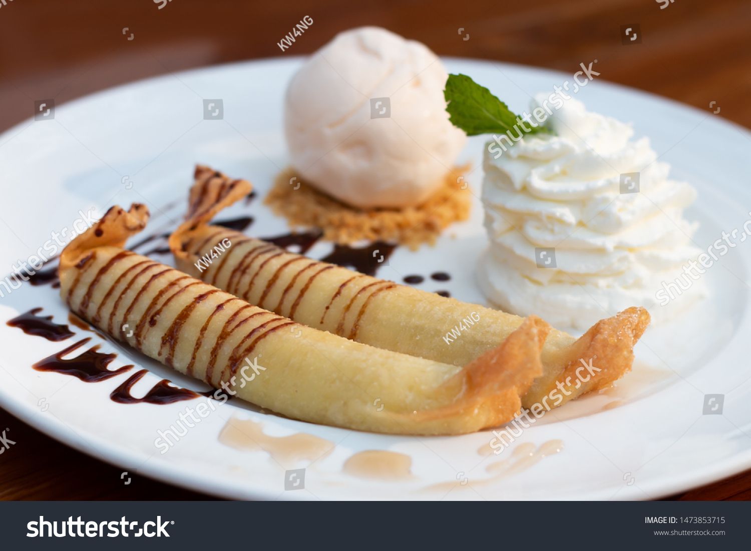 Deep Fried Bananas Sweet Banana Fritters Stock Photo Edit Now 1473853715
