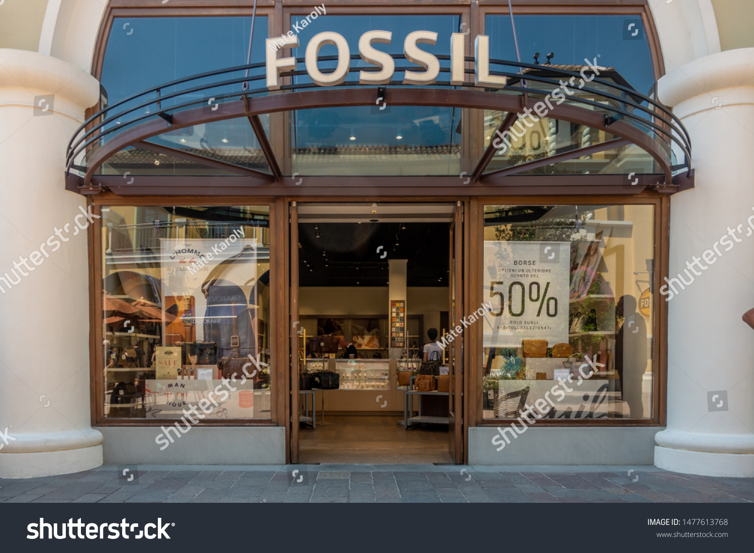Fidenza Italy 08082019 Fossil Watch Store Stock Photo Edit Now 1477613768