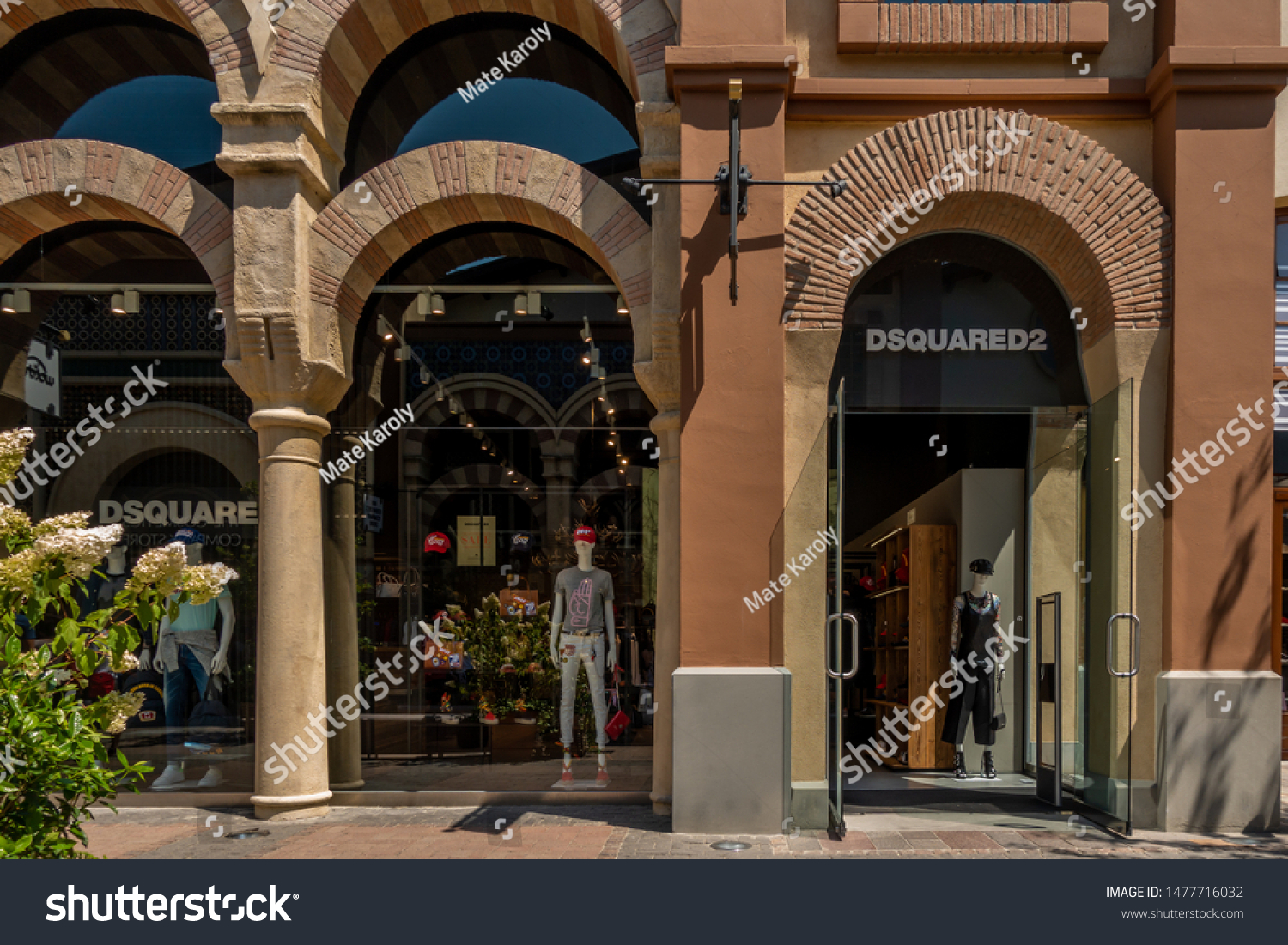 dsquared factory outlet italy
