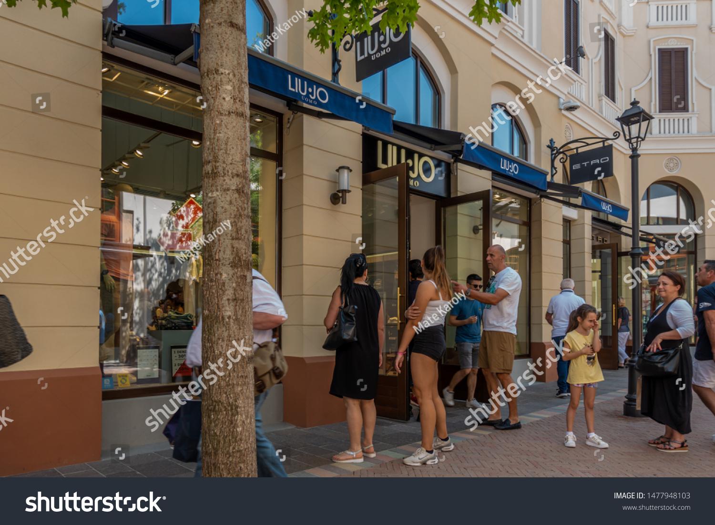insondable embudo presidente  Fidenza Italy 08082019 Liu Jo Store Stock Photo (Edit Now) 1477948103