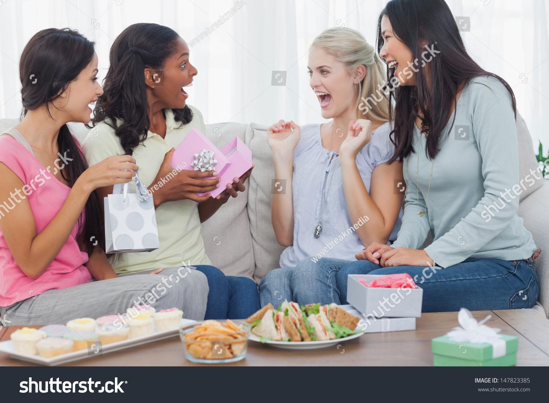 Сидеть на подруге онлайн 16 фотография