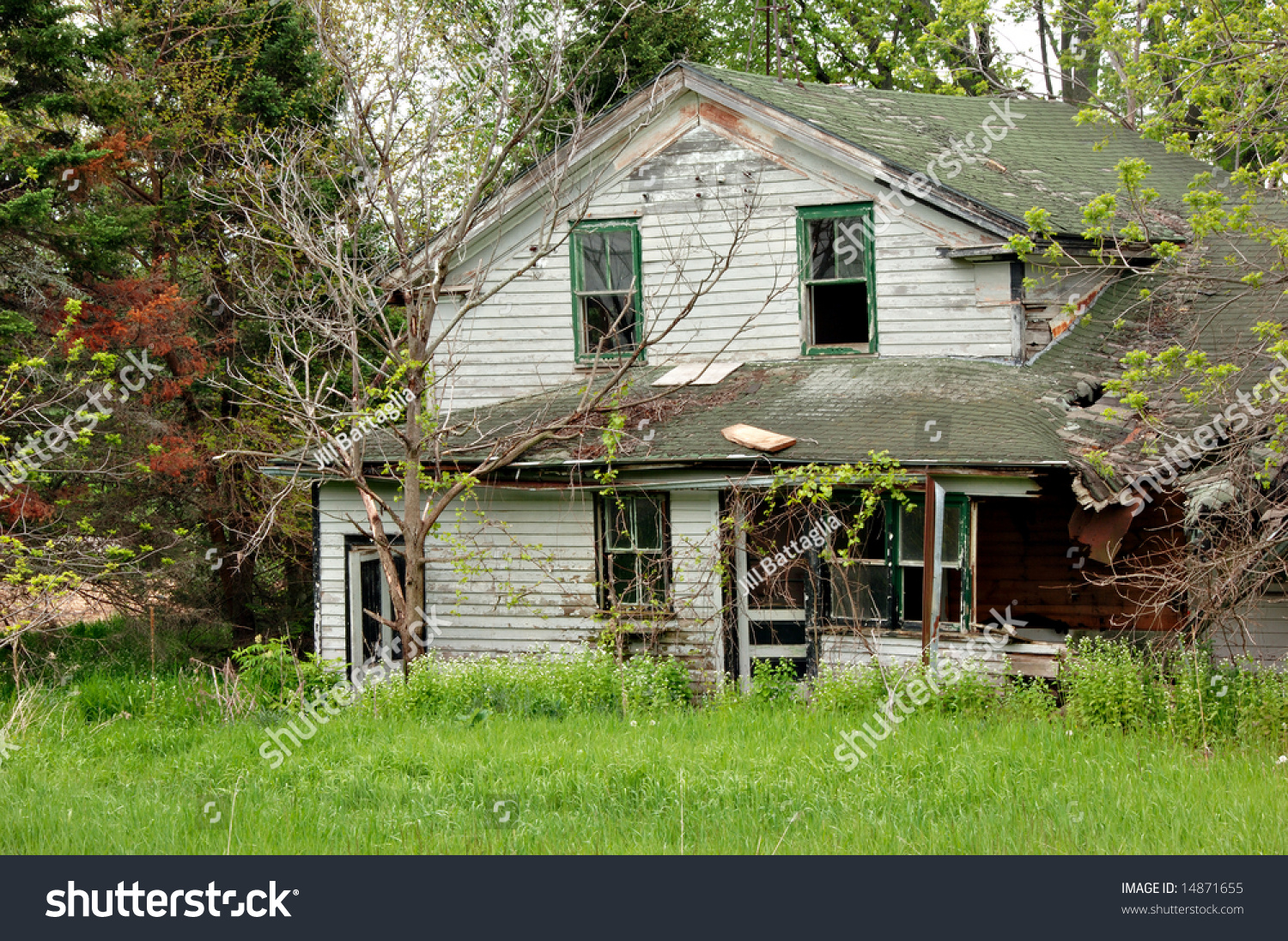 Abandoned House Falling Apart From Neglect.