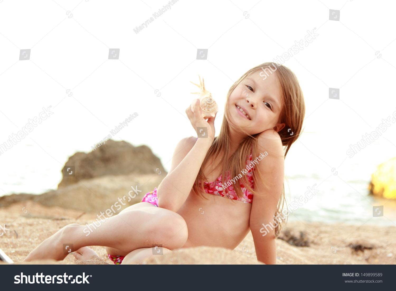 Фото маленька девочка и ее пися, Девочка созрела? Самые скандальные фотосессии юных 22 фотография