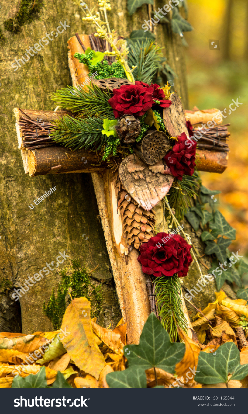 Grave Forest Wooden Cross Flowers Stock Photo Edit Now 1501165844