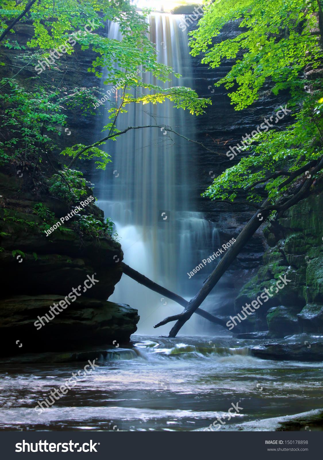 waterfall, lake, forest - Beautiful views wallpapers: 1600x900