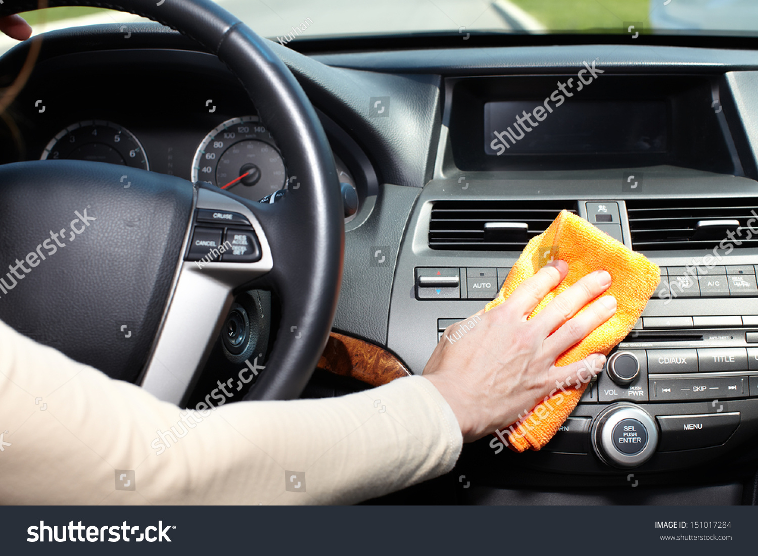 hand microfiber cloth cleaning car stock photo 151017284 shutterstock. Black Bedroom Furniture Sets. Home Design Ideas