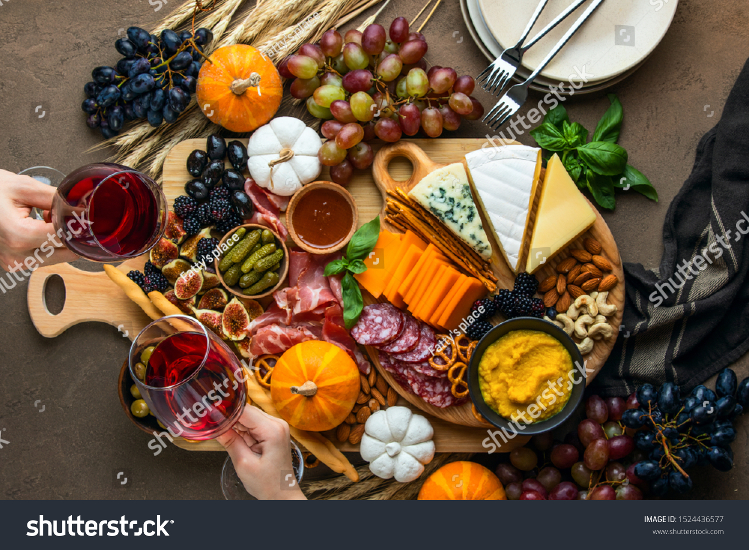Autumn Party Easy Snack Board Concept Stock Photo Edit Now 1524436577