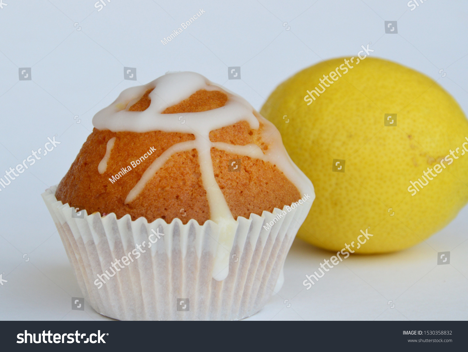 stock-photo-a-fresh-and-tasty-muffin-wit