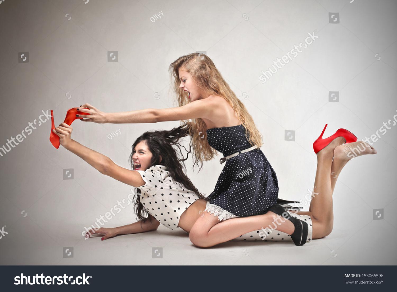 girl on girl fighting