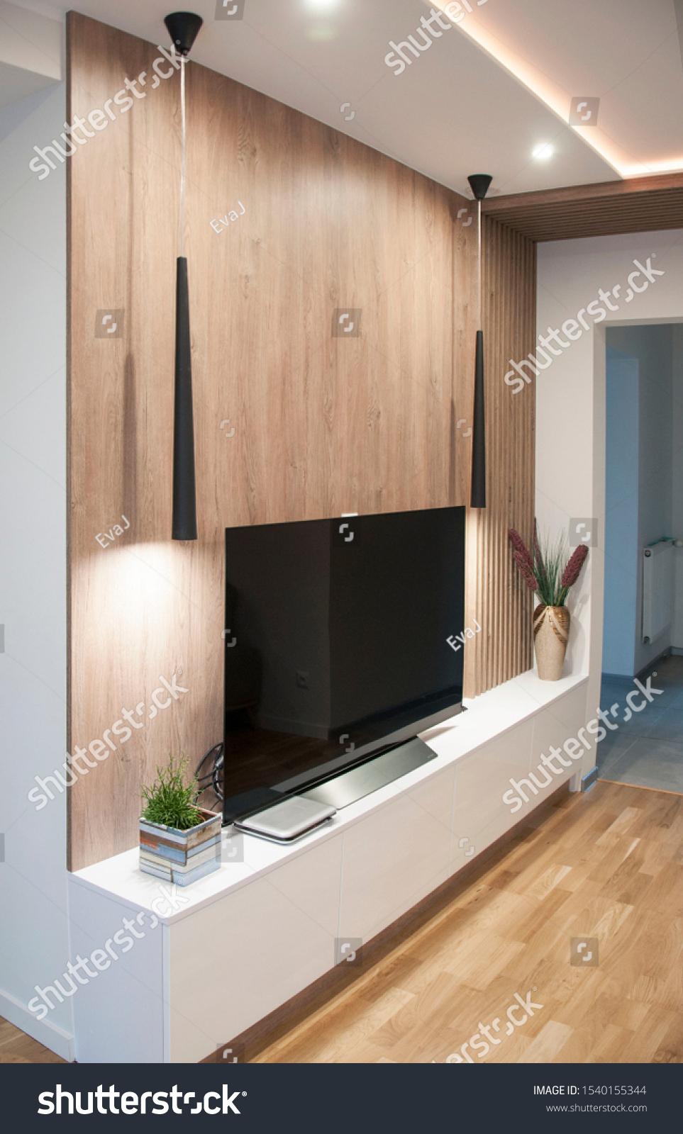 Tv Set On Background Wooden Professionally Editar Agora Foto Stock 1540155344
