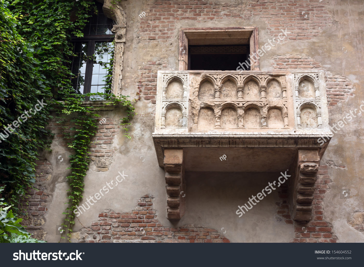 Famous juliets balcony verona italy stock photo 154604552 for Famous balcony