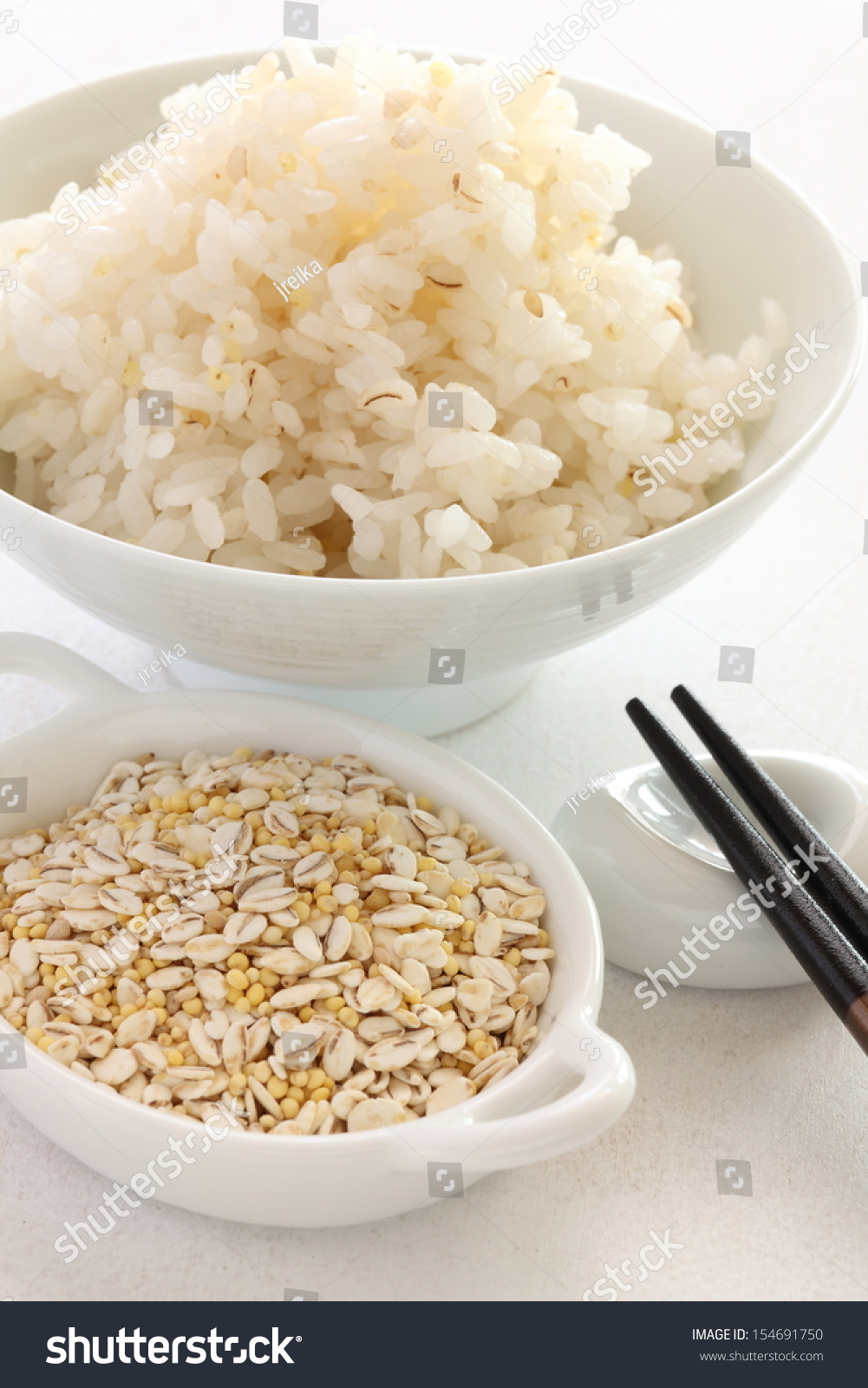 Japanese food ingredient five type of grain with steamed for Cuisine 5 ingredients