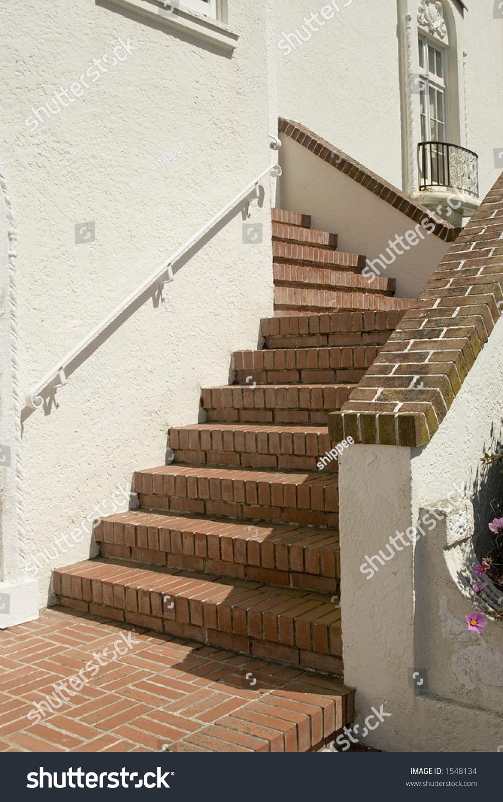 Escaleras del ladrillo imagen de archivo stock 1548134 - Escaleras de ladrillo ...