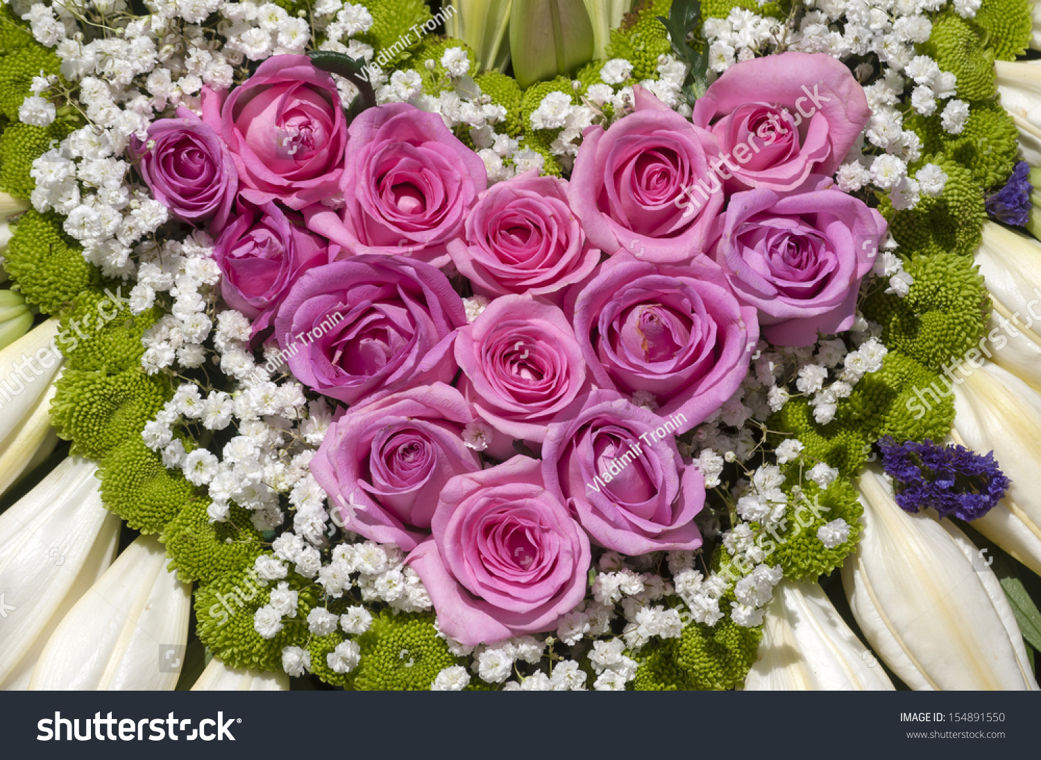Wedding Car Decoration Roses Form Heart Stock Photo 154891550 ...