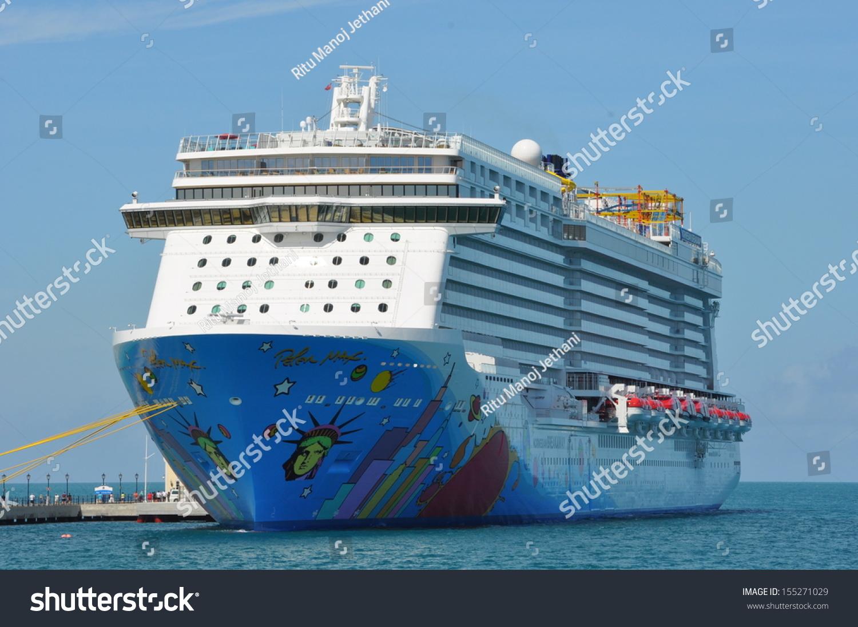 Bermuda September 13 Norwegian Breakaway Ncls Stock Photo
