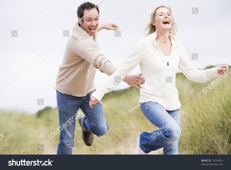Как заставить мужчину бегать за тобой: психология отношений 71