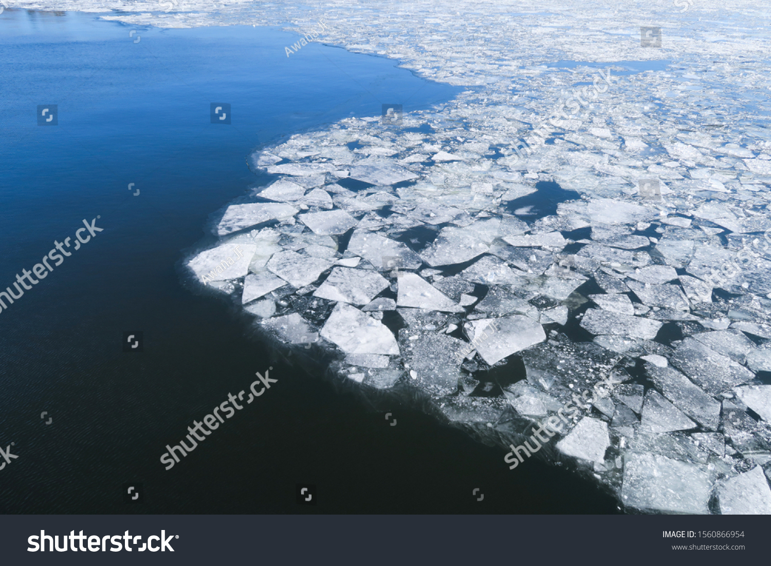 stock-photo-ice-on-st-laurent-river-in-w