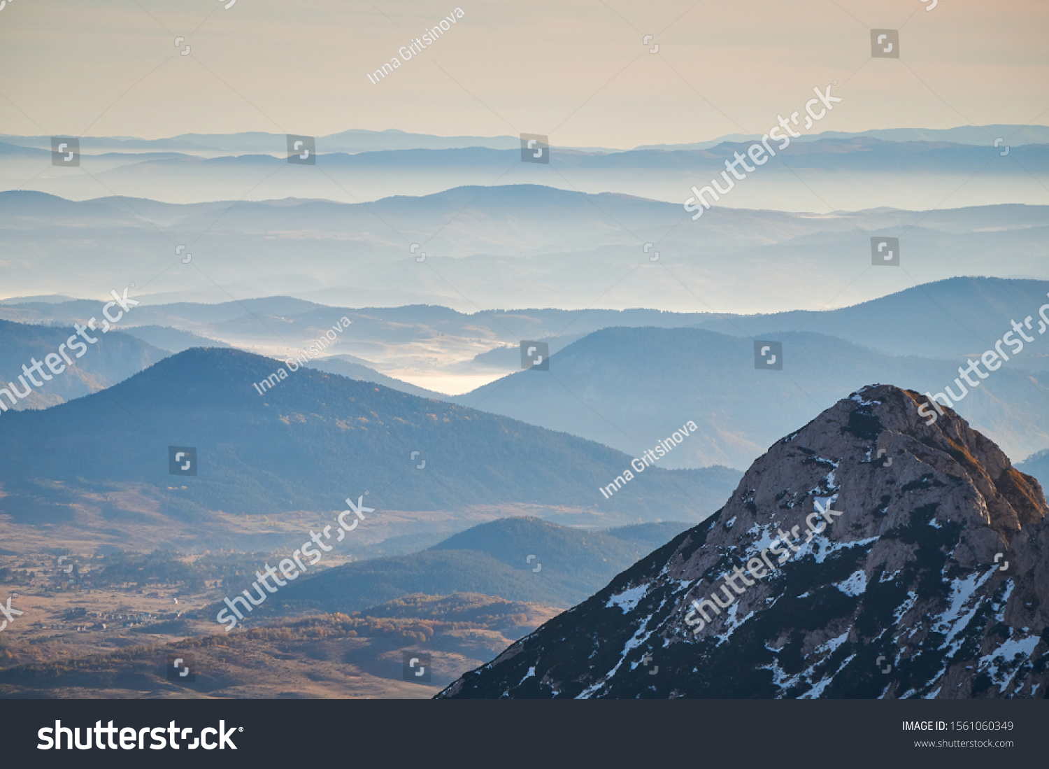 stock-photo-durmitor-landscape-from-bobo