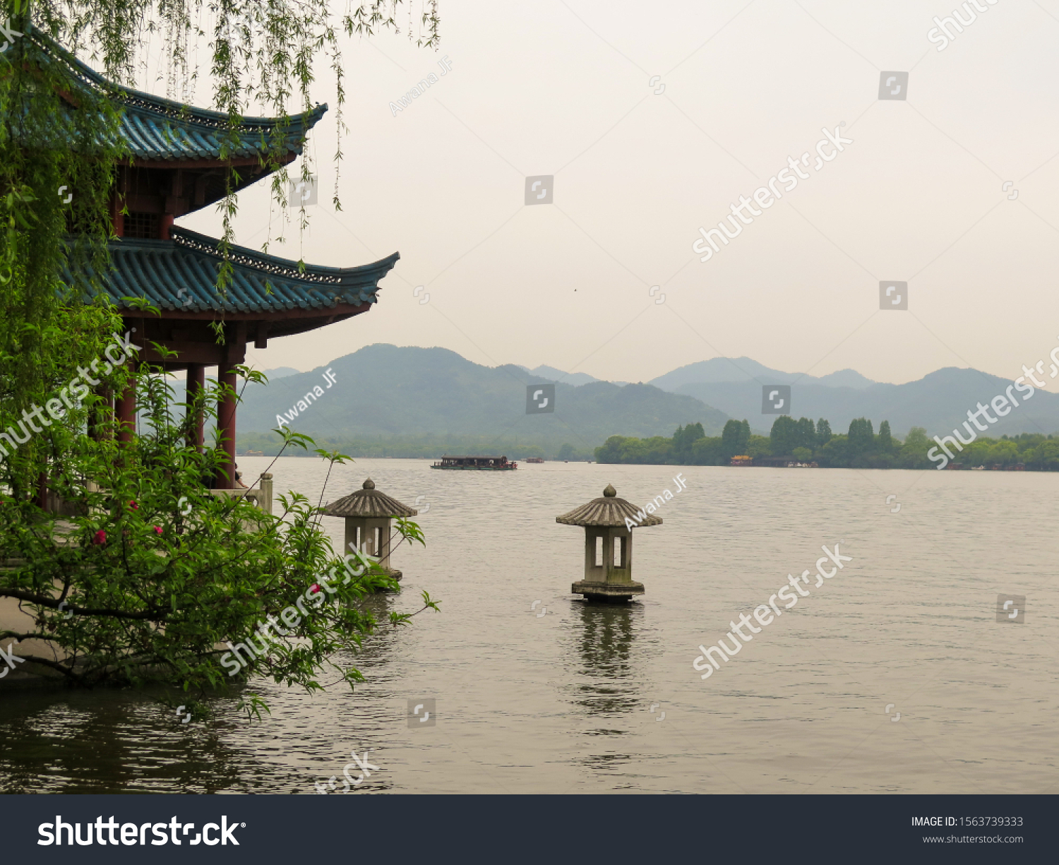 stock-photo-west-lake-of-hangzhou-in-chi