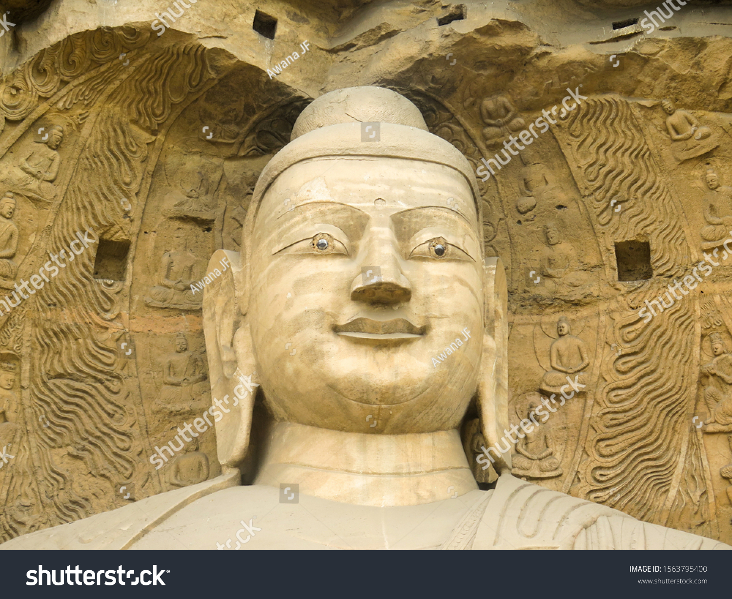 stock-photo-giant-buddha-sculture-in-yun
