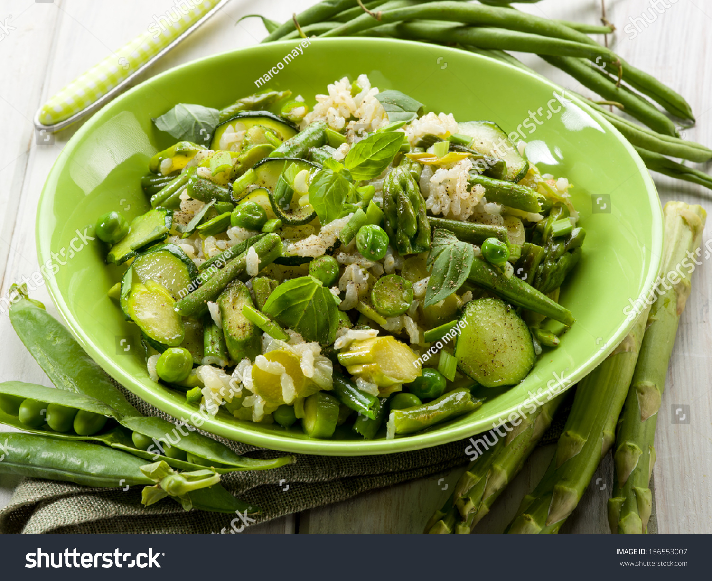 Risotto asparagus zucchinis green beansvegetarian food - Green vegetarian cuisine ...