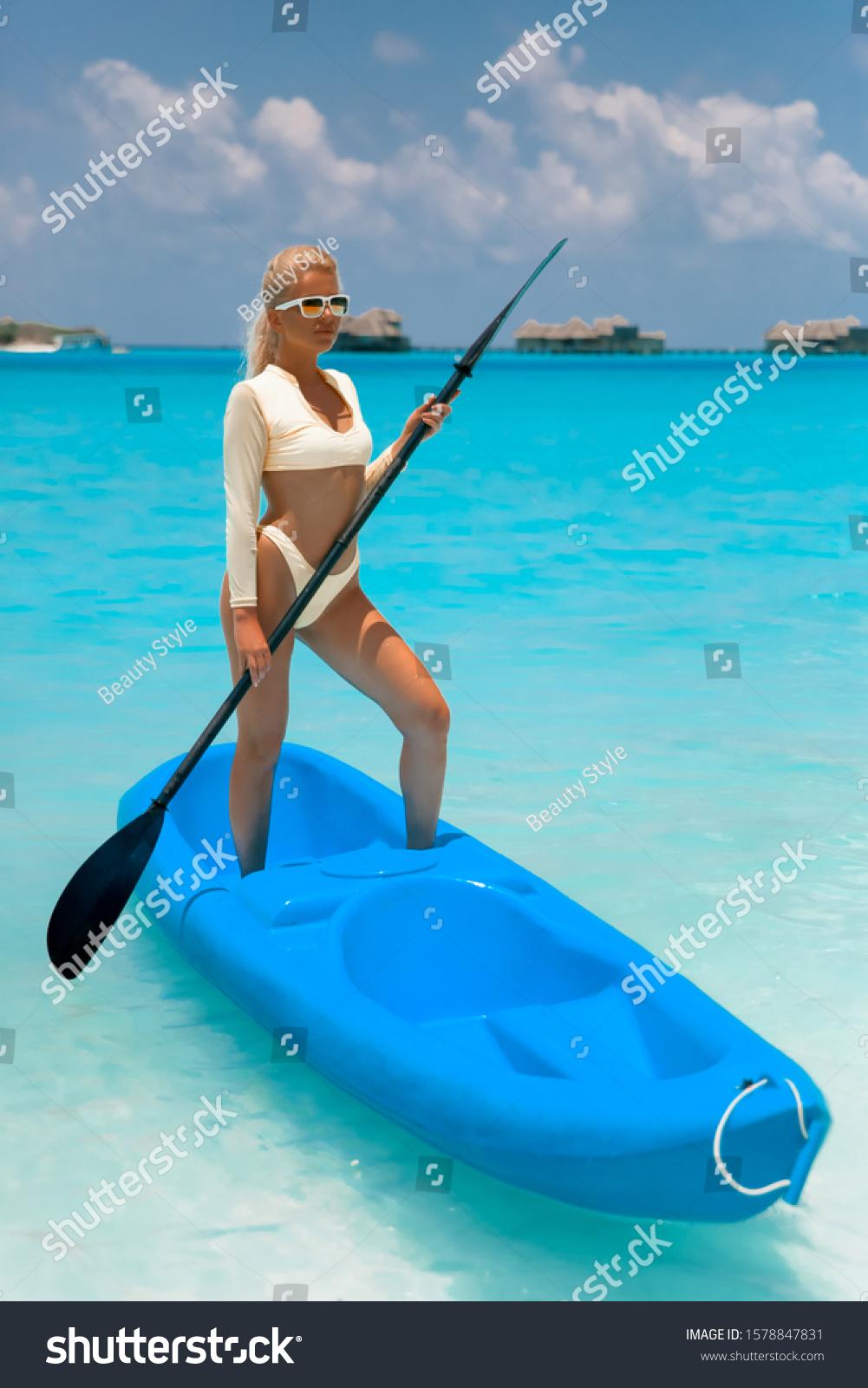 Blond sport model parship Why women