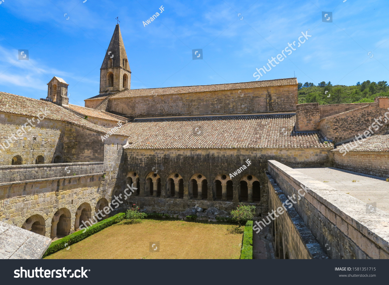 stock-photo-le-thoronet-france-july-view