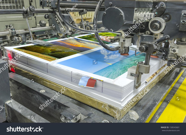 Offset Machine Press Print Run At Table Sheet Fed Paper