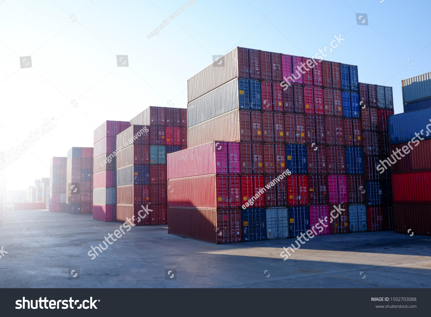 Stack containers for import and export concepts. #1592703088