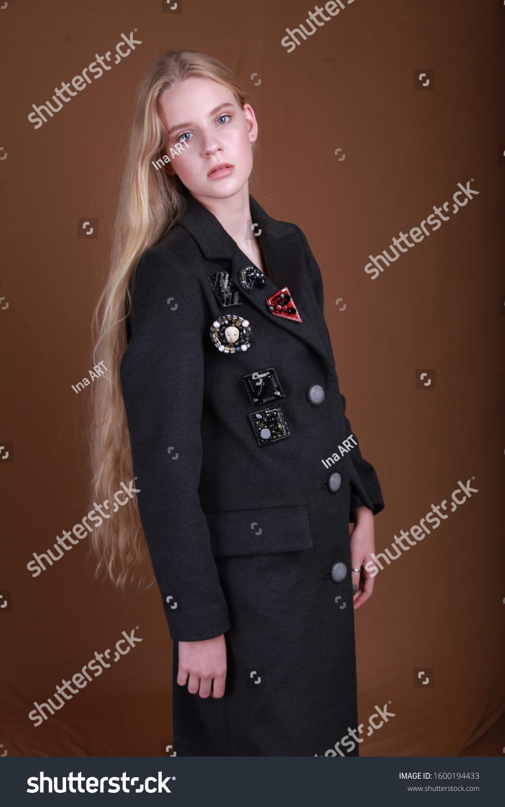 девушка модель работы магазина