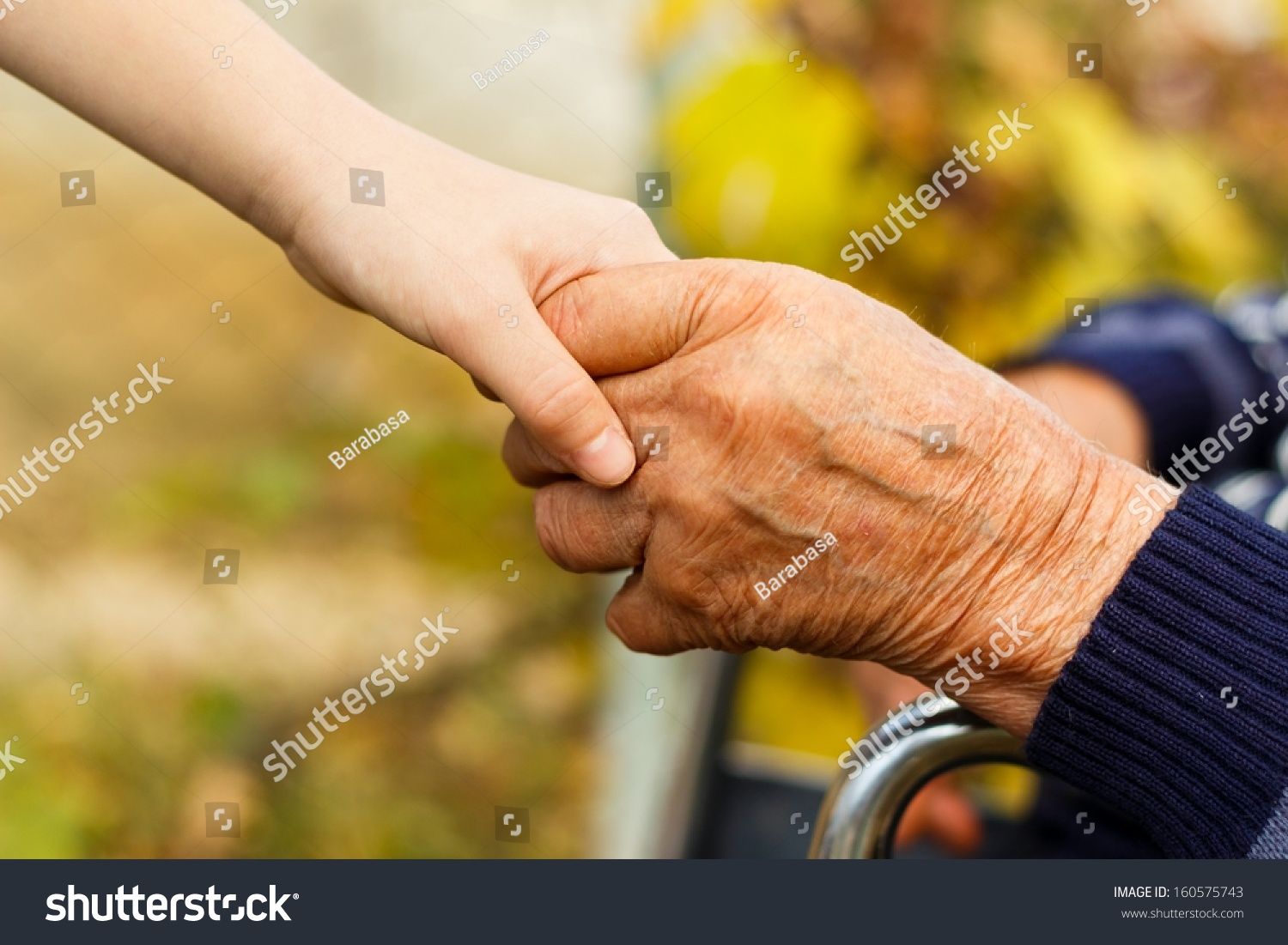 dating a man with small hands Sometimes a man does want to date you how he is affectionate and what it means you'll notice men often put their hand on your lower back when they.
