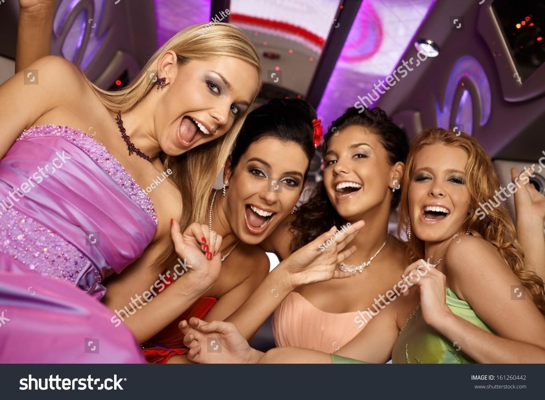 Секс девочками на вечеринке 5 фотография