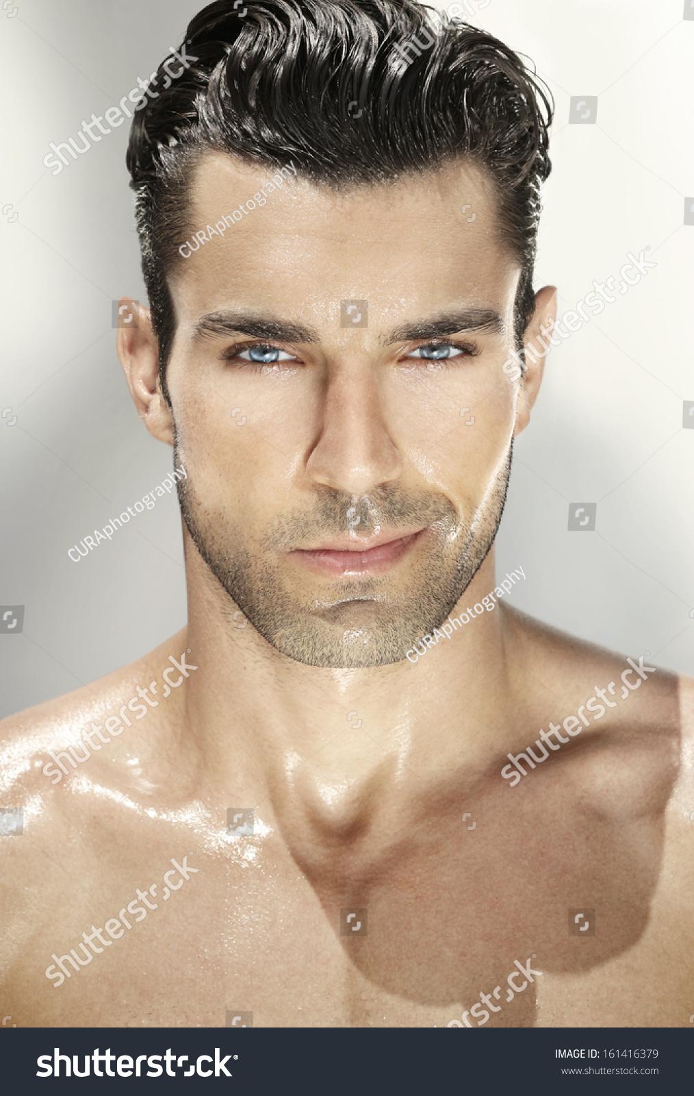 Artigo De Andre Lima: Por Quê Eu Não Consigo Emagrecer? stock-photo-close-up-portrait-of-a-very-handsome-man-161416379