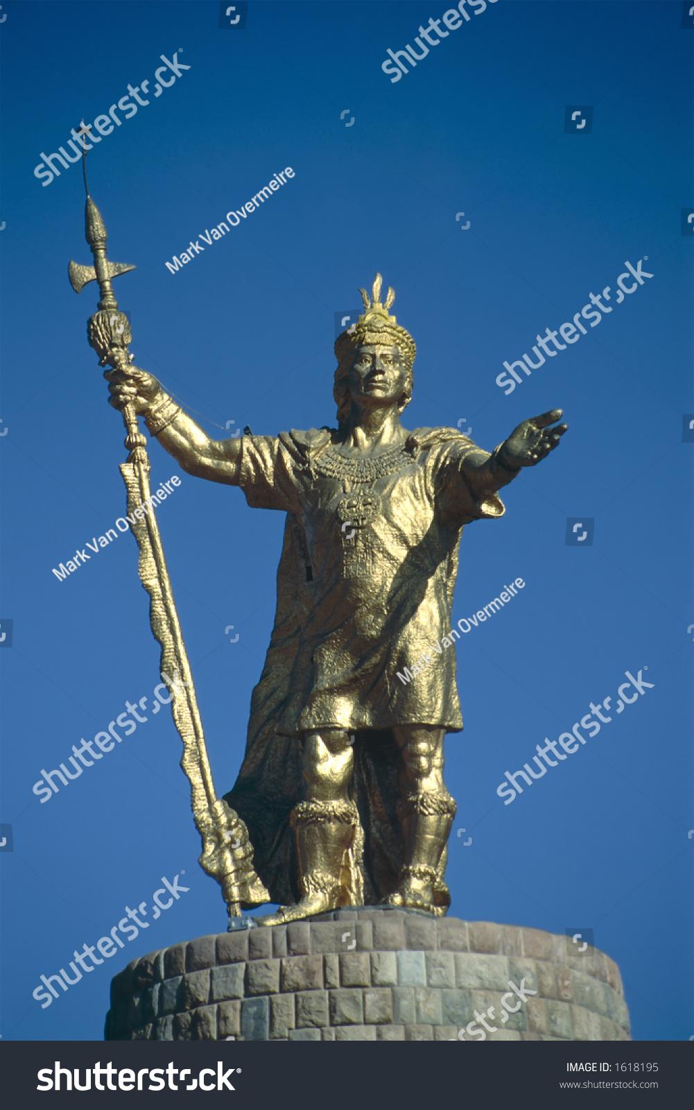 golden statue of the inca king atahualpa in cuzco peru