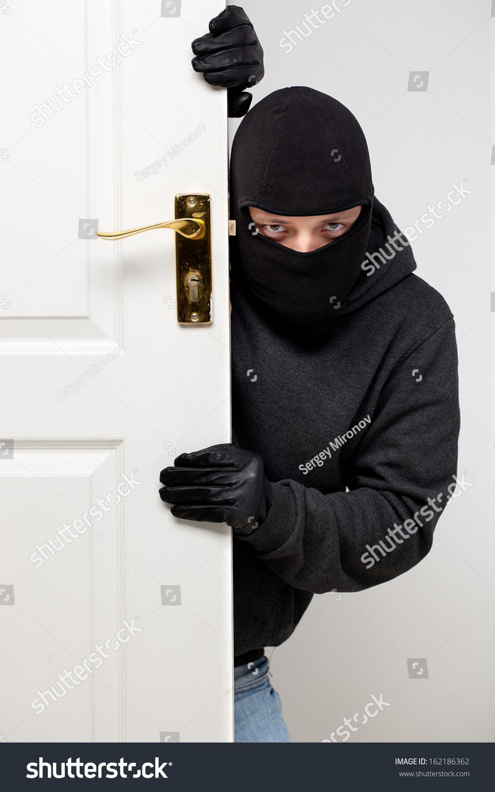 home burglary Keep your home safe from burglary by using common sense, timers on your  lights, and contacts in your neighborhood.